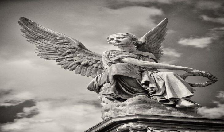 نقش فرشته ها در آثار هنری ایران و جهان