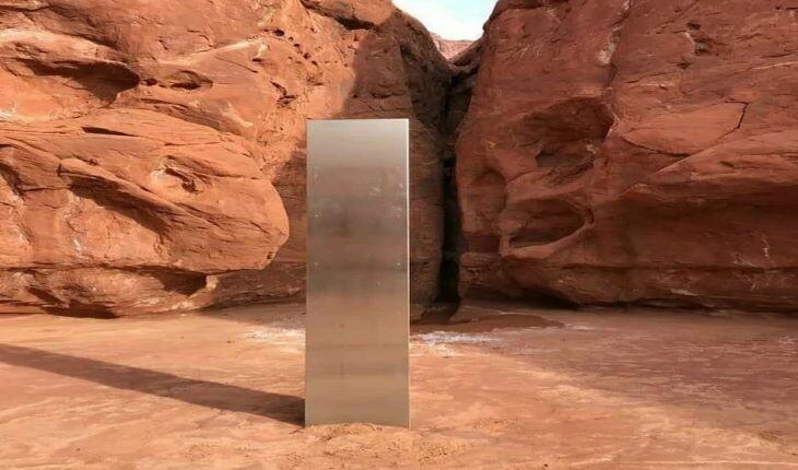 کشف شیء فلزی مرموز در بیابان آمریکا