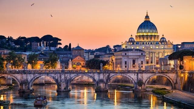 سفر به شهر اَبَدی، رُم