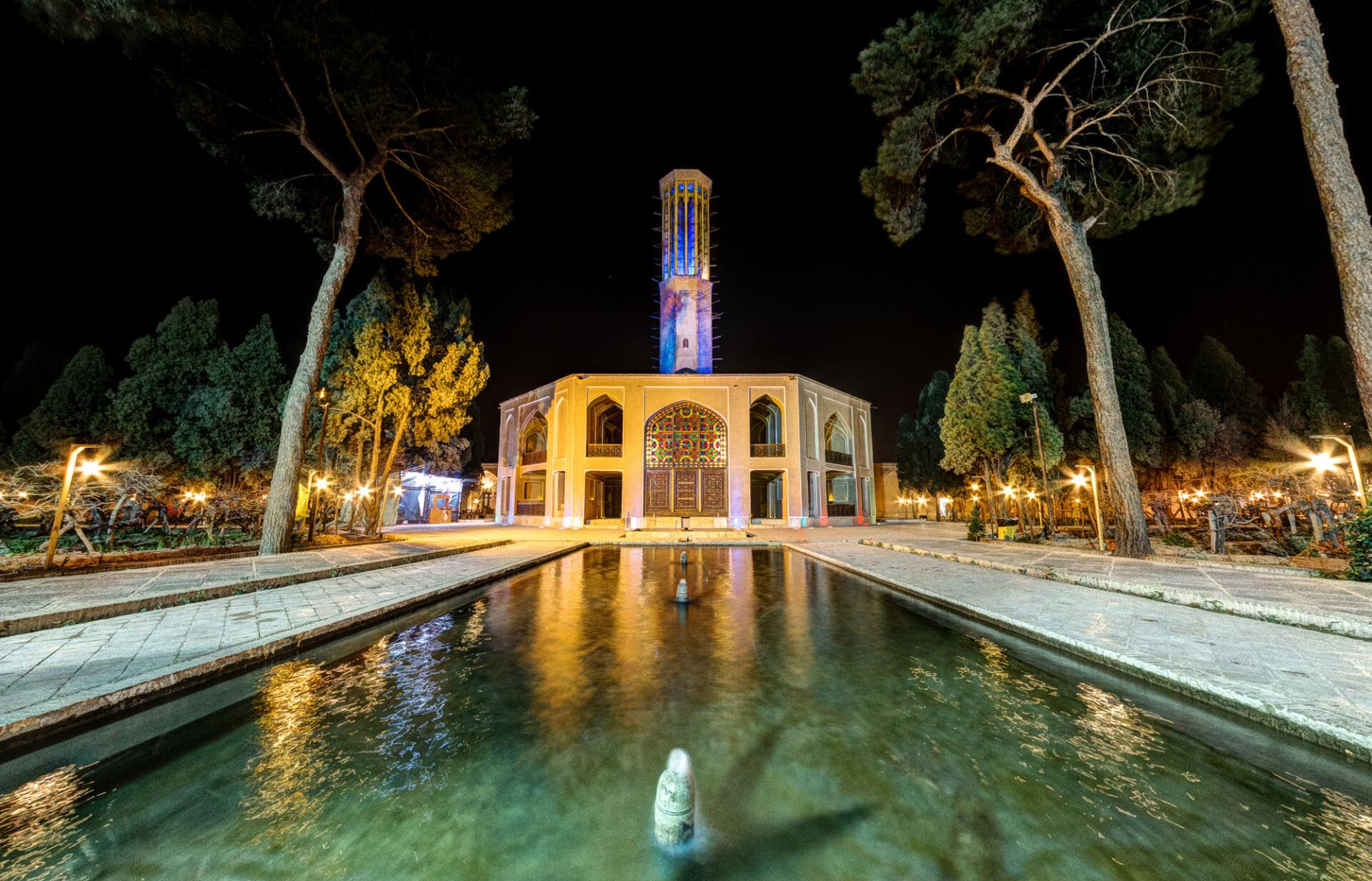 باغ دولت آباد و بلندترین بادگیر جهان