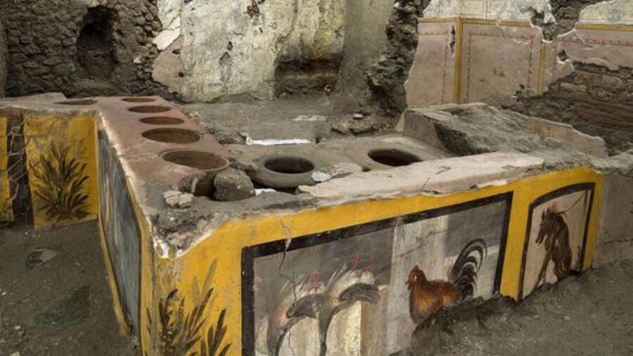 فستفود خیابانی دو هزار ساله در ویرانههای پمپئی کشف شد!
