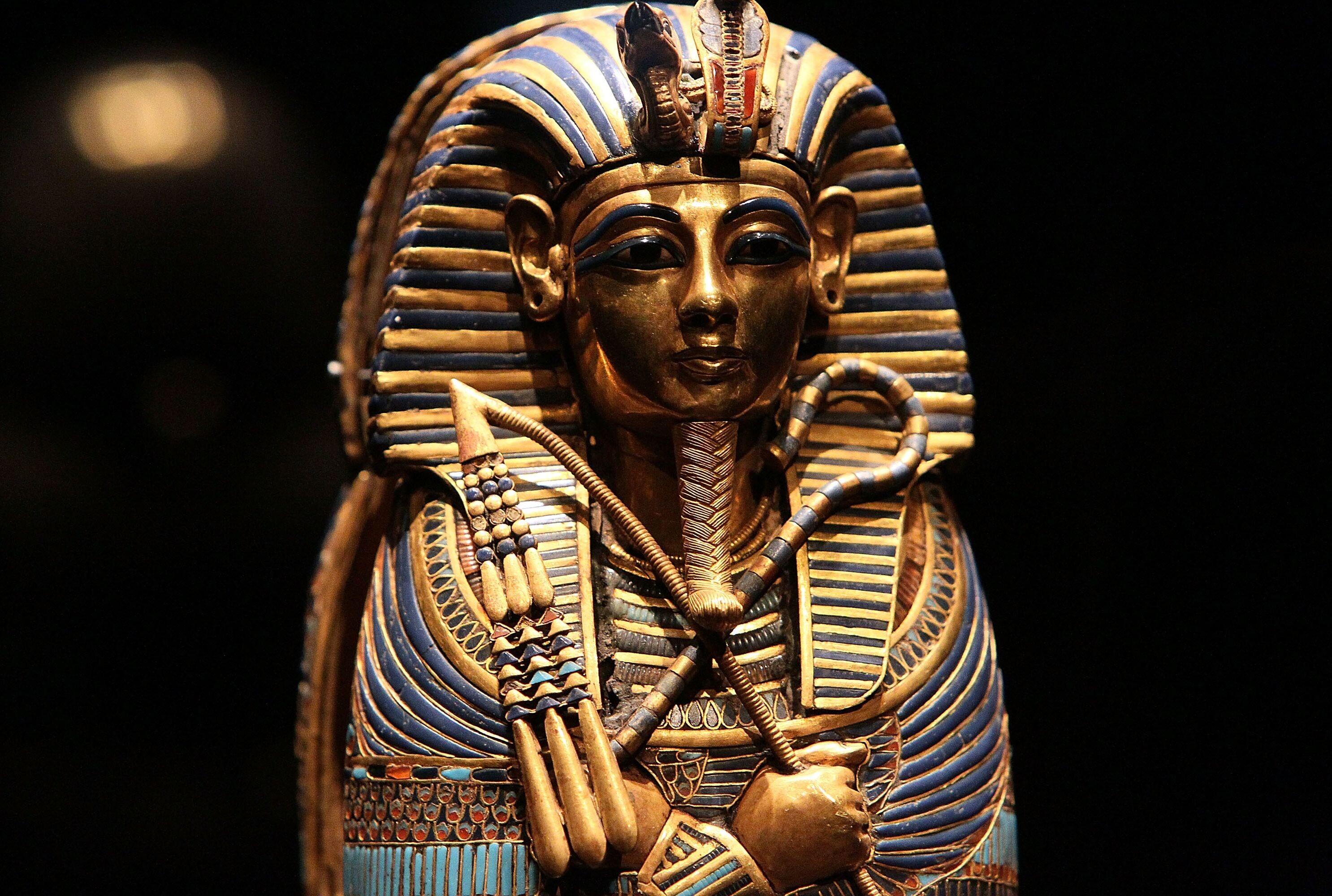 نفرین فرعون از دیروز تا امروز