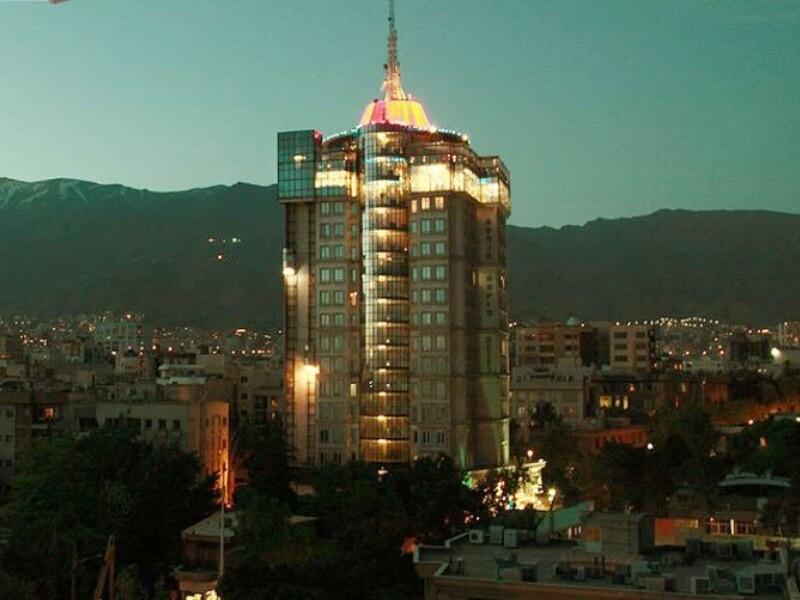 هتل برج سفید( پاسداران)