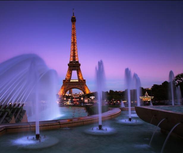 10 جاذبه گردشگری جادویی که باید آنها را در شب ببینیم