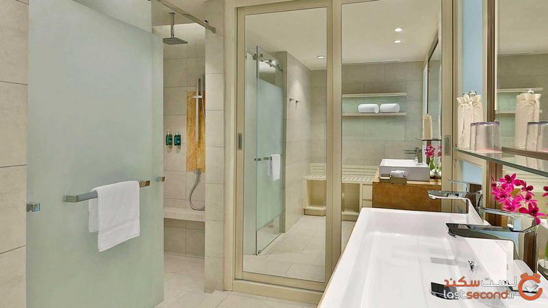deluxe-ocean-view_bathroom-1.jpg