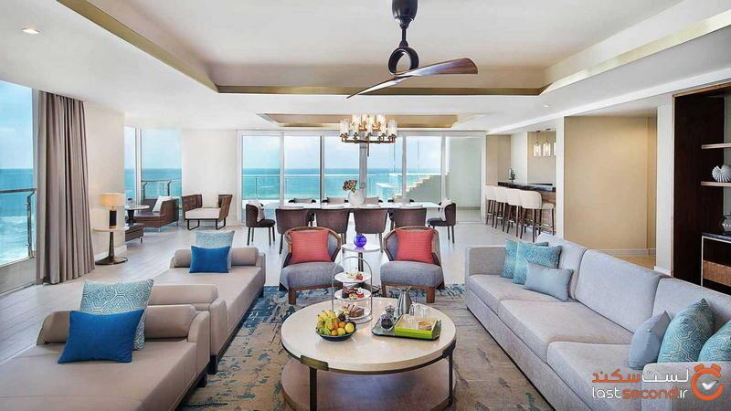 presidential-suite_livingroom.jpg