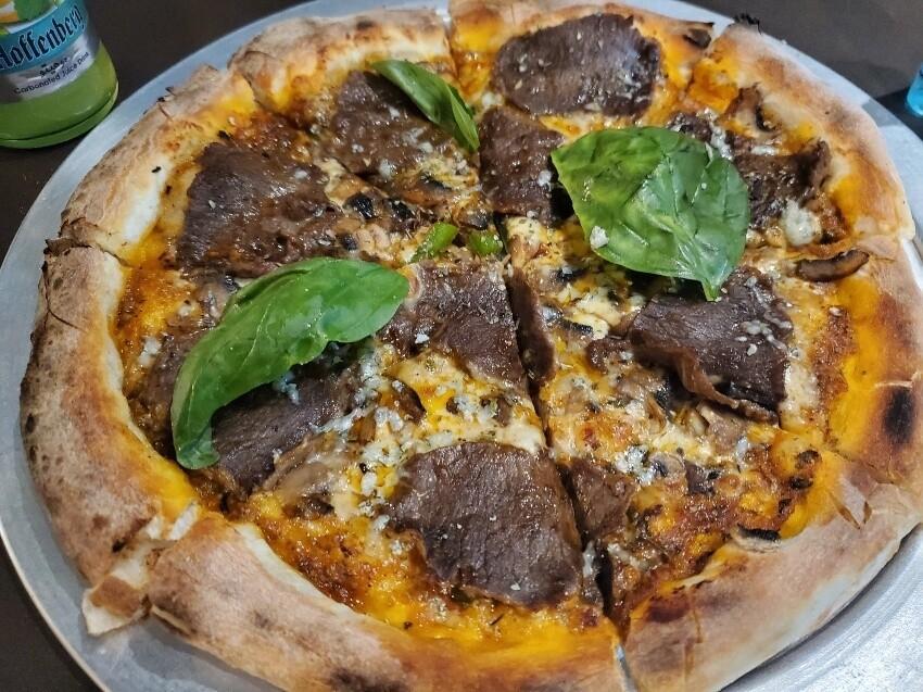 پیتزا موتورینو