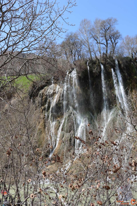 آبشار زیبا بیشه