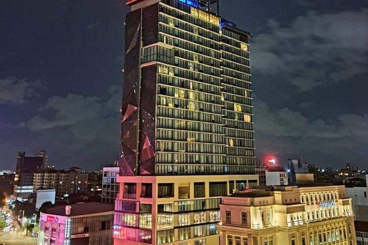 هتل مونپیک، کلمبو (Movenpick Hotel)