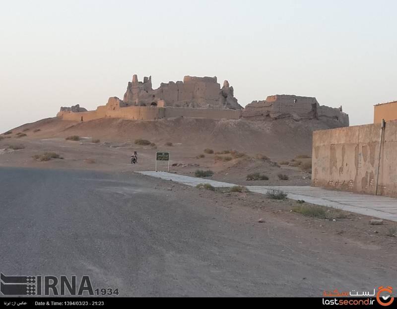 قلعه بمپور