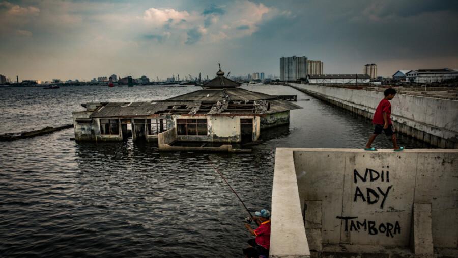 جاکارتا پایتخت اندونزی به زیر آب می رود!