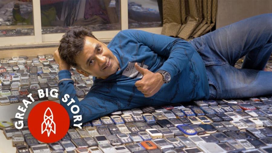 مردی که بیش از دو هزار تلفن همراه دارد!