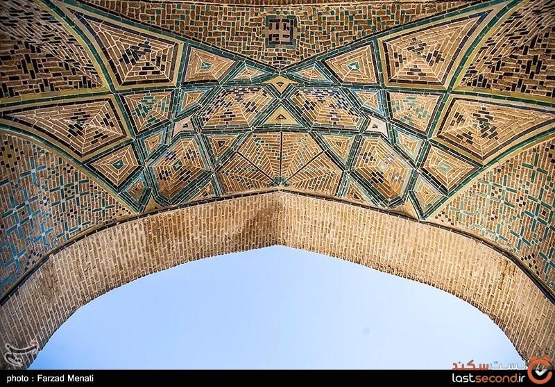 کاشی ایرانی معقلی