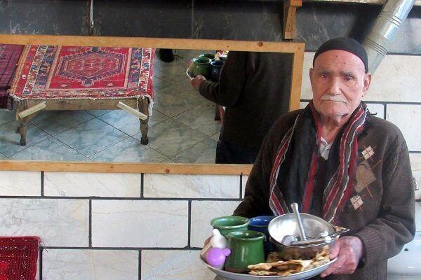 صبحانه خوردن ایرانی ها در سفرنامه جهانگردان از صفویه تا قاجار