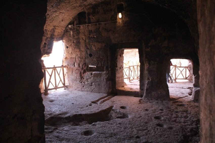 3 غار آهکی تاریخی ایران در استان کرمانشاه، کردستان و فارس