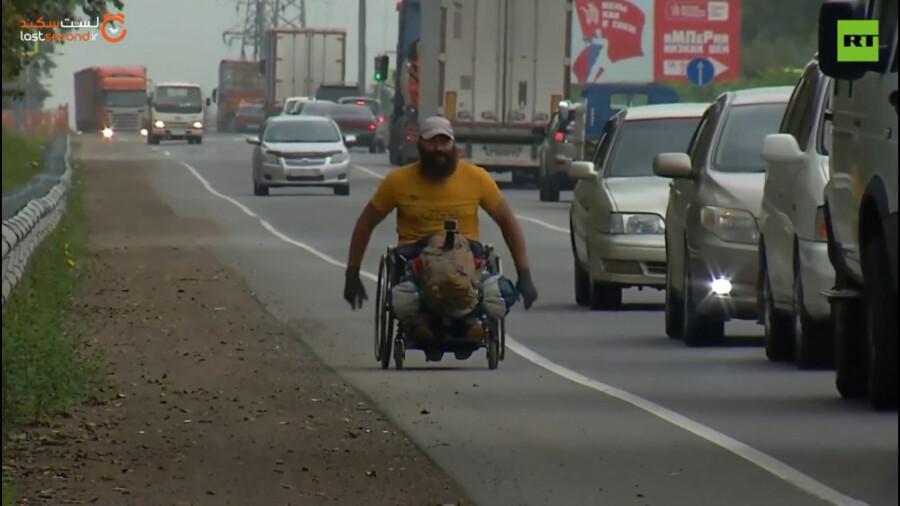 سفر 1418 کیلومتری یک مرد روسی با ویلچر!