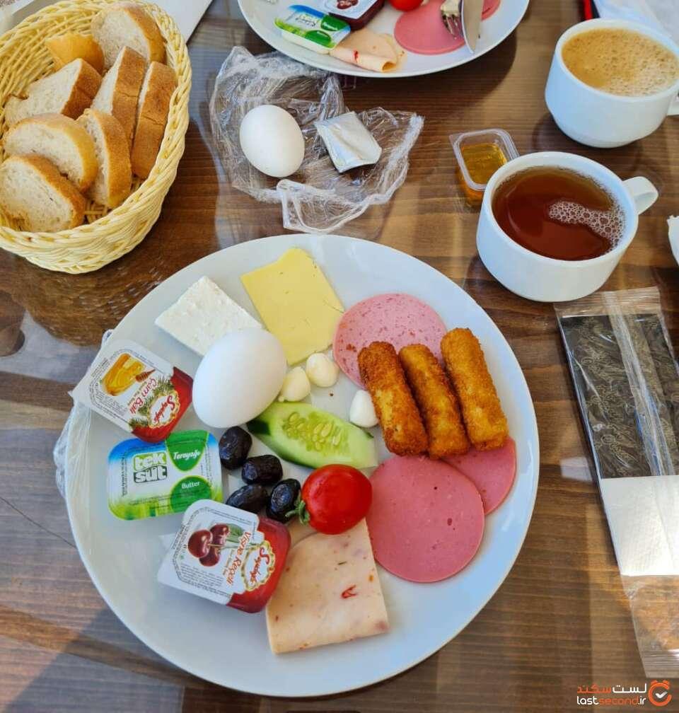 صبحانه هتل PERA-CENTER