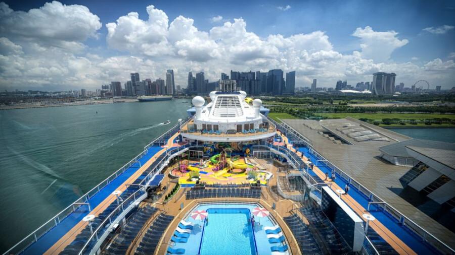 کشتی کروز بدون مقصد در هنگ کنگ راه اندازی شد!