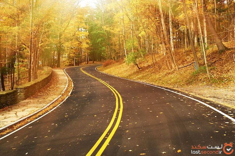جاده در فصل پاییز