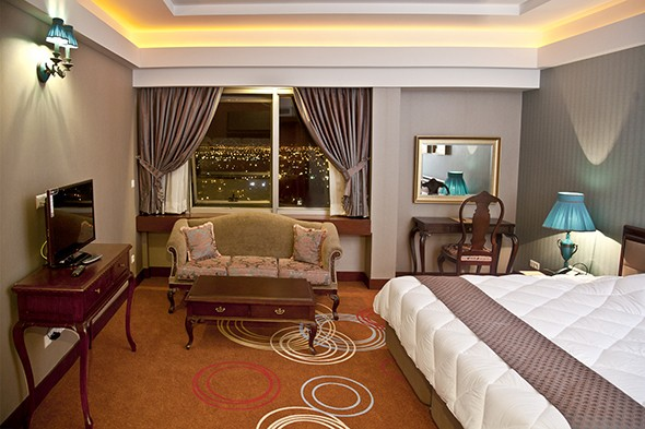 Shiraz-Hotel-Room-1.jpg