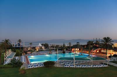 هتل آکوا فانتاسی