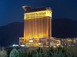تصاویر هتل زیبا و مجلل اسپیناس پالاس، تهران