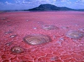 ناترون،زیباترین نمک زار دنیا