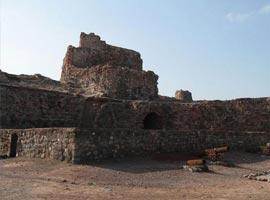 قلعه پرتغالی ها در جزیره هرمز، به جا مانده از 500 سال پیش