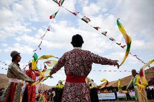 جشن مردمی در روز جهانی جهانگردی