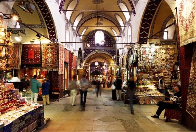 کاپالی چارشی (Kapali Carsi) یا بازار بزرگ استانبول