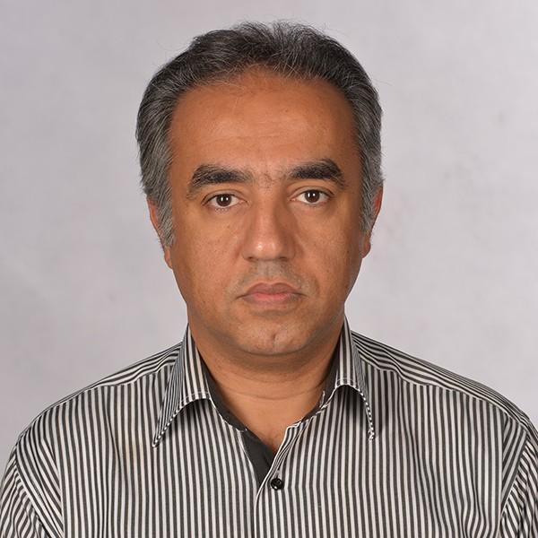 شاهرخ باقرپور